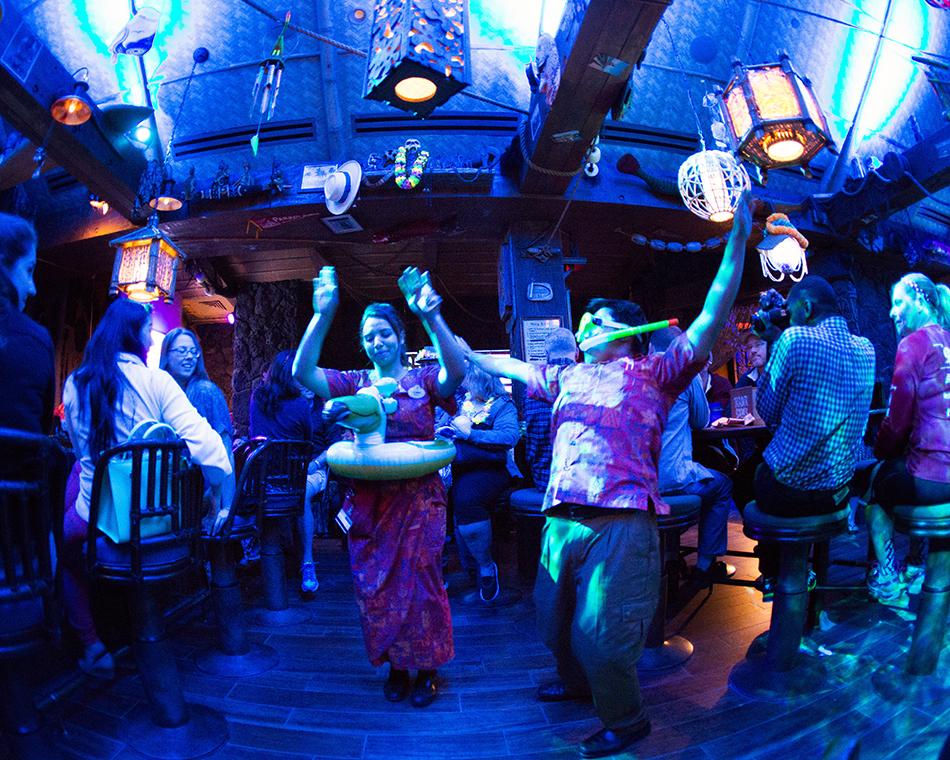 Trader Sam's Grog Grotto Polynesian Resort 003