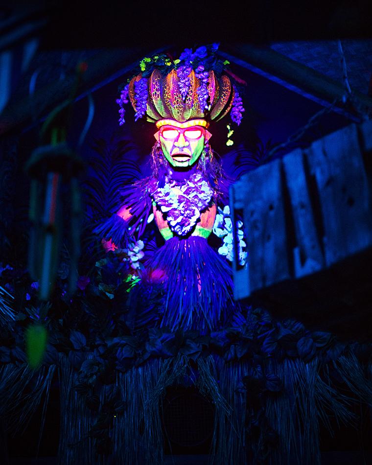 Trader Sam's Grog Grotto Polynesian Resort 010