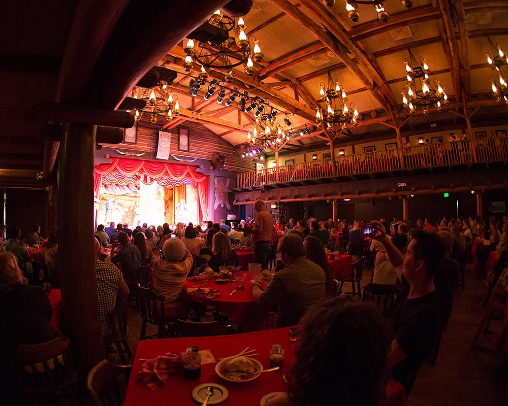 Disney Fort Wilderness Hoop-Dee-Doo Musical Revue 019