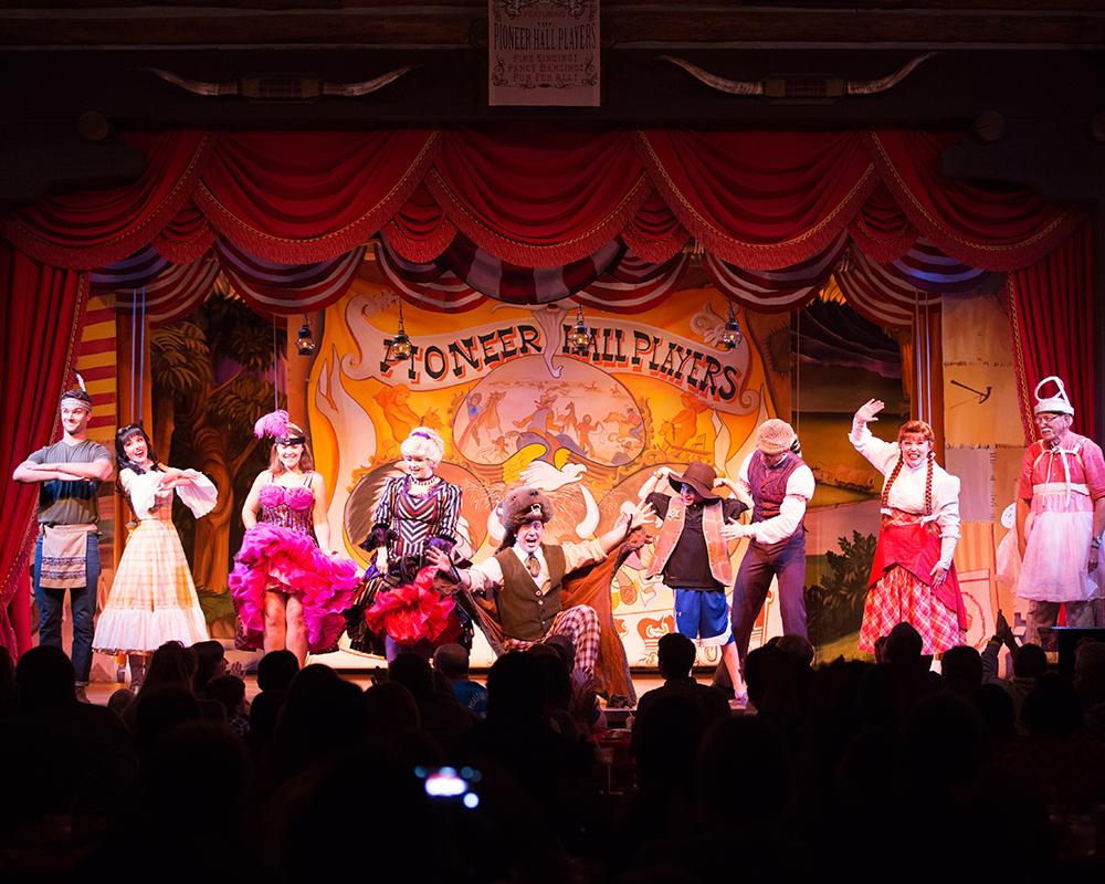 Disney Fort Wilderness Hoop-Dee-Doo Musical Revue 021