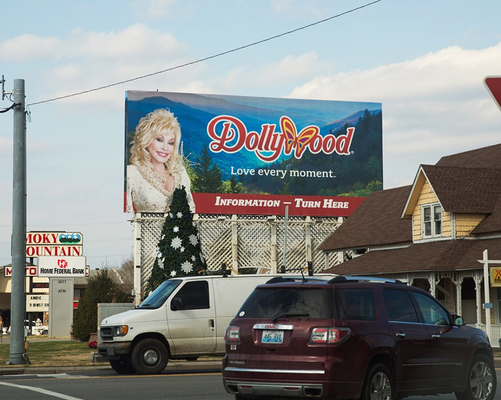 Dollywood at Christmas02