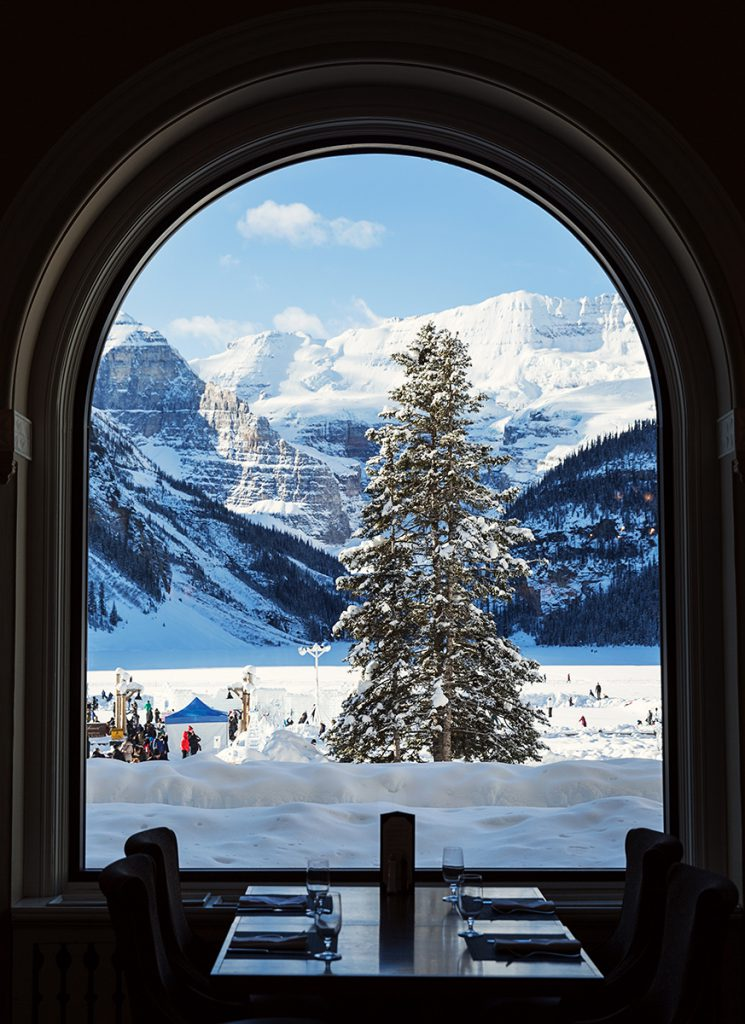 The Fairmont Chateau Lake Louise 01